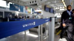 ユナイテッド航空に新スローガンの提案が続々「お客様を世界中引きずり回します」