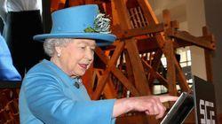 エリザベス女王のTwitter初投稿が「王室の永遠の謎」になる