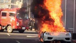 勝どき橋でフェラーリが炎上
