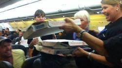 アメリカの格安航空の機長、7時間待機した乗客に自腹でピザ30枚を振る舞う