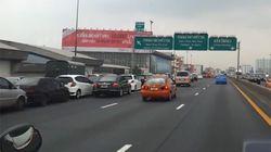 【動画】2011年タイの洪水で意外な車の避難先は?