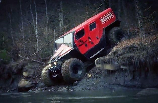 【動画】どんな道でも走行可能な救命車