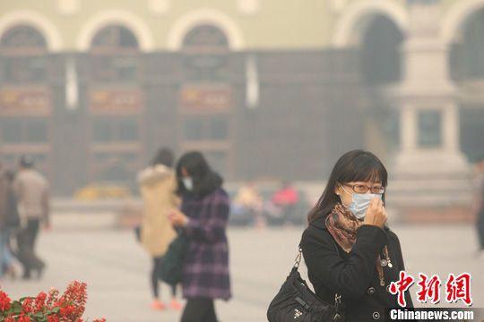 PM2.5汚染に中国国民は拳を振り上げないのだろうか