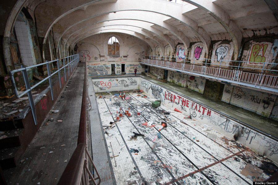 【廃墟】立入禁止の建物に潜入する刺激的な旅写真【画像集】