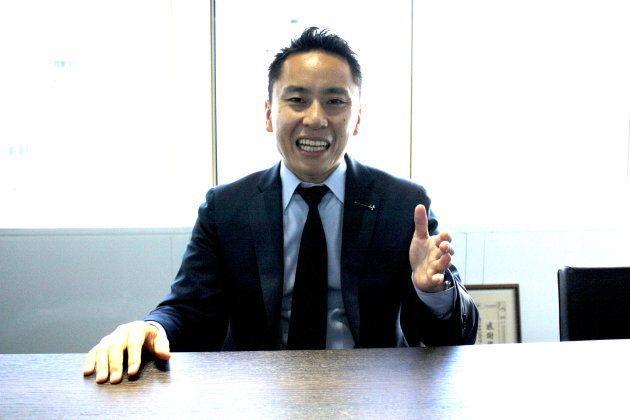 インタビューに答える太田雄貴会長