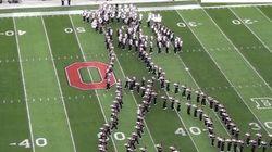 MJのムーンウォークをマーチングバンドが「再現」【動画】
