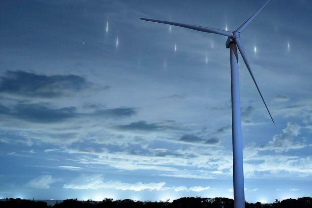鳥取の空に「光の柱」が出現。その正体は?