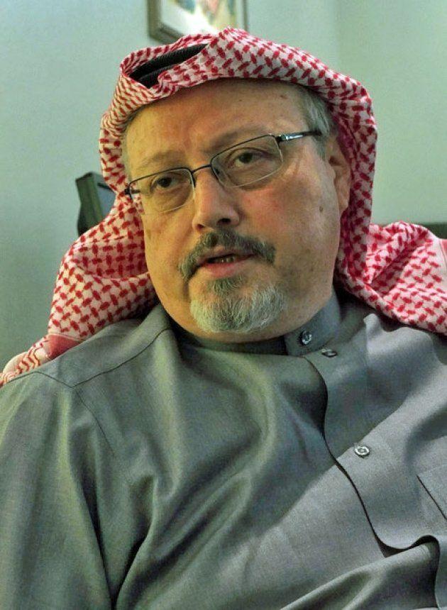 2016年1月、サウジアラビアの首都リヤドで朝日新聞記者のインタビューに応じたジャマル・カショギ氏