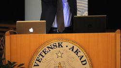 下村脩さんが死去、2008年にノーベル化学賞。「緑色に光るたんぱく質」をクラゲから発見