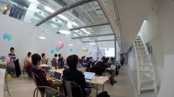 一般の大学生のITへの興味と30歳未満のプログラマ限定のイベント