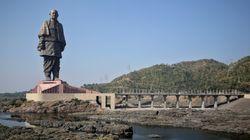 インドで世界一高い彫像が完成 240メートルの「独立の立役者」