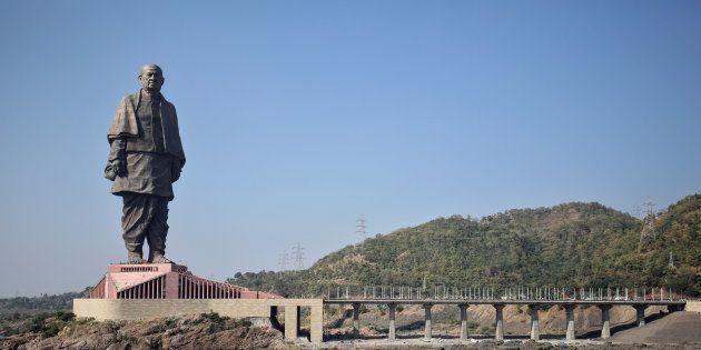インドで完成した彫像