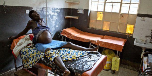 サブサハラでの出産の現場を捉えた写真が美しい
