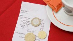 レストランなどの「チップ」が一部で廃止に?アメリカで何が起こっているのか?