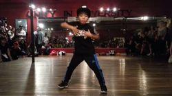 8歳少年のダンスを見ていると、何かすごいことになりそうだと予感させる(動画)