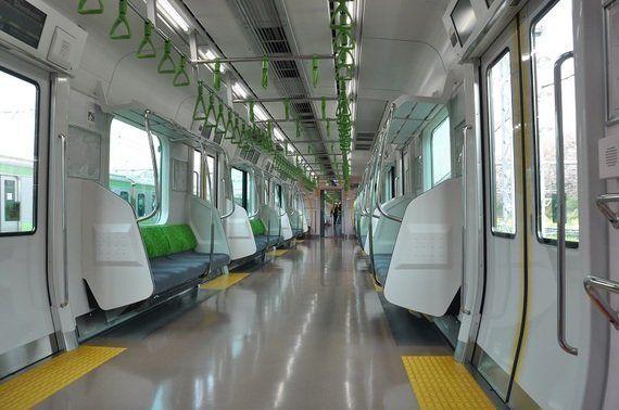 JR東日本E235系量産先行車-最新技術とデザインを融合したオシャレな車両- インテリア編