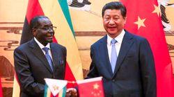 ジンバブエ、人民元が法定通貨に。負債48億円帳消しの見返り