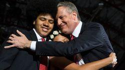 異色の新ニューヨーク市長誕生 息子もアフロヘアで大活躍!