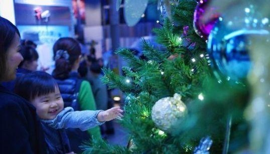 冬休み、世界はこんな風に祝っている。タイからポーランドまで(画像集)