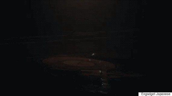 SpaceX、大型ロケットが初の垂直着陸に成功 次なる計画は?(動画・画像)