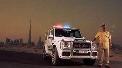 フェラーリやランボルギーニに続いてドバイ警察が採用したベンツベースのパトカー
