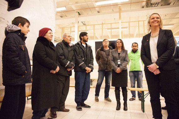 ノルウェー新設「移民大臣」が難民受け入れ施設を訪問
