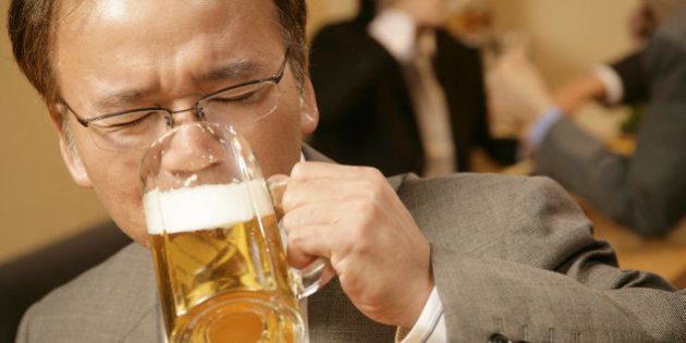 日本の中高年男性は「世界でいちばん孤独?」