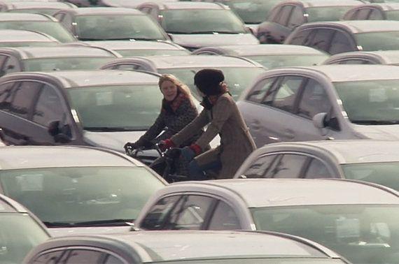 【動画】もしもの時に頭部を守る! 画期的な自転車用エアヘルメット