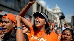 ベネズエラで経済破綻が迫っている背景は?