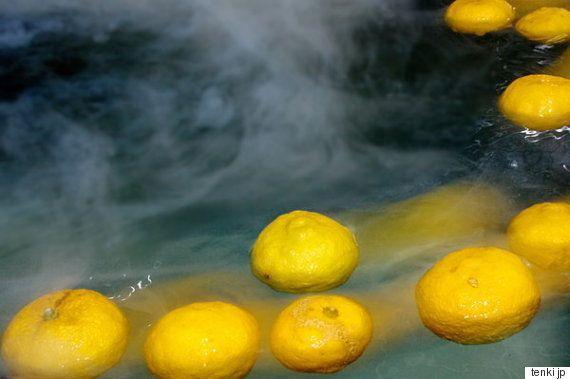 柚子湯に入ると風邪をひかなくなるってホント? フランスでも大モテの柚子の魅力とは?