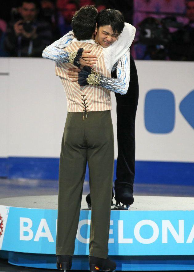 フェルナンデス、引退を表明 羽生結弦との友情を示す11の写真