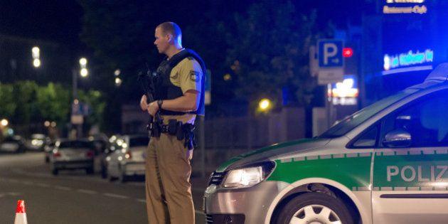 ドイツ南部で爆発、12人が負傷 27歳の容疑者は自爆