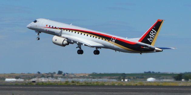 試験飛行に飛び立つMRJ(三菱リージョナルジェット)=27日、アメリカ・ワシントン州モーゼスレイク 撮影日:2018年06月27日