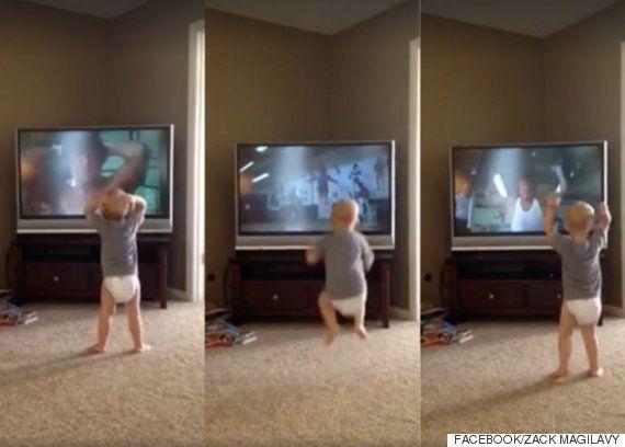 「ロッキー」になりきる赤ちゃんにスタローン「いつか闘う日が来る」(動画)