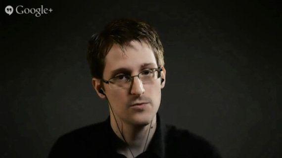 スノーデンの警告「Dropboxは捨てろ」「FacebookとGoogleには近づくな」