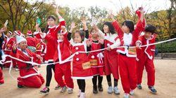 サンタクロースが明治神宮外苑に大集合 チャリティーイベントが東京初上陸