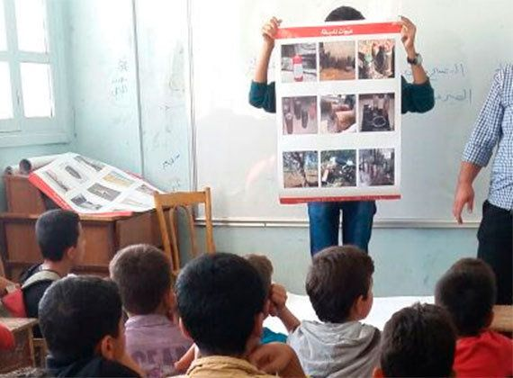 シリア人職員の思い:マフラーがつないだ命