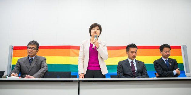 性自認や性的指向による差別を解消しようと、国会議員や当事者、企業の担当者が語った