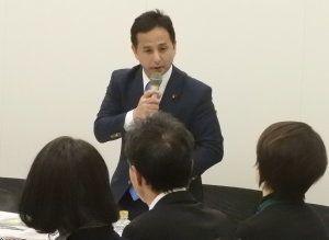 前回の勉強会に続き、モデレーターを務めた衆議院議員の遠山清彦氏