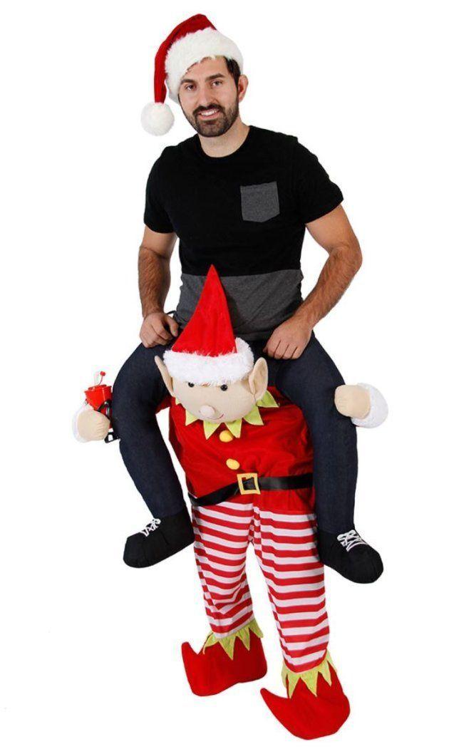 一見、サンタに担がれてる!と思うけど、実は目の錯覚。モデルの足がサンタの足の中に入ってる。なぜかモデルが、うつろな目をしているのが気になる。