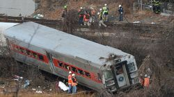 ニューヨークで脱線事故、4人死亡
