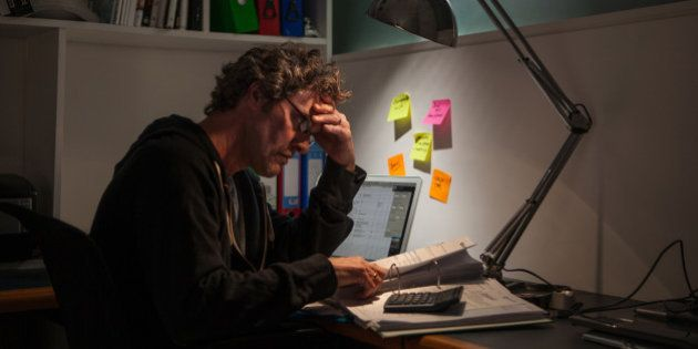 うつ病などで労災請求、過去最多の1400人超 認定者も2番目の多さ