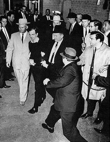 「ケネディ暗殺」と「カストロ暗殺計画」の点と線:CIA機密文書