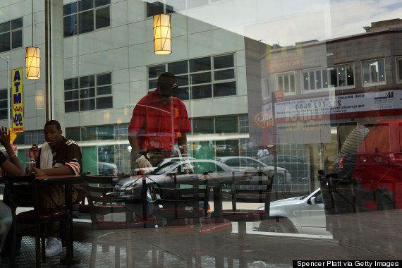 ファストフード従業員が全米100都市でストライキ:その背景