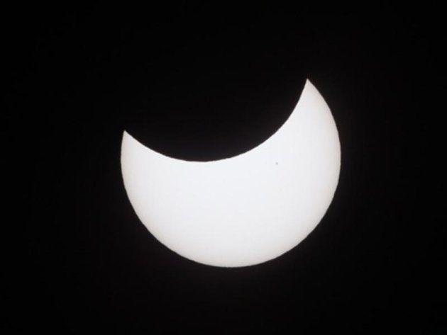 1月6日(日)の午前は3年ぶりの部分日食。各地の見え方と時間は?