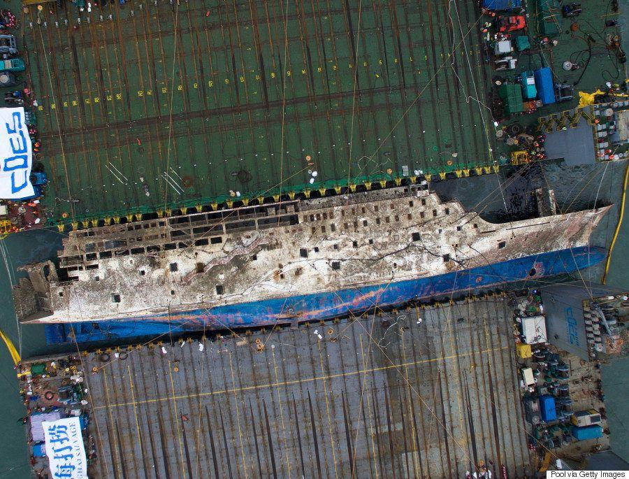 セウォル号引き揚げ、なぜ3年もかかったのか 技術的な失敗、そして韓国政府の混乱と迷走
