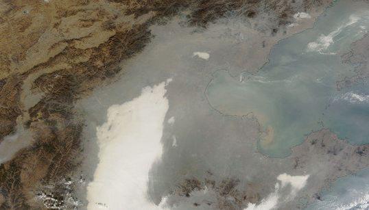 飛行機の離着陸にも障害:中国の大気汚染