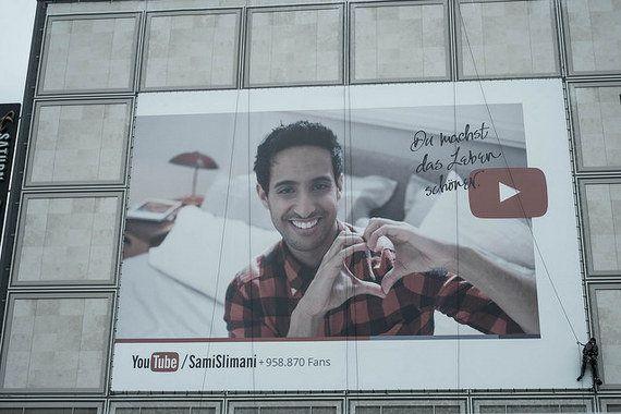 グーグルからの広告引き上げ騒動、広がり続けるその背景