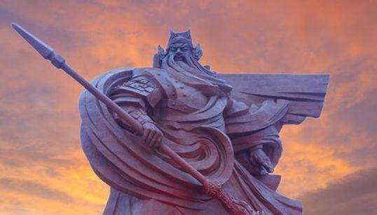 中国に巨大な関羽像が立つ。58メートルの武神が街を見下ろす【画像集】