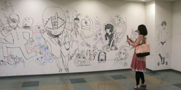小学館ビルに「落書き」浦沢直樹さんや藤子不二雄Aさんらが参加【100枚以上の写真ギャラリー】